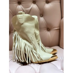 Off-white western boots